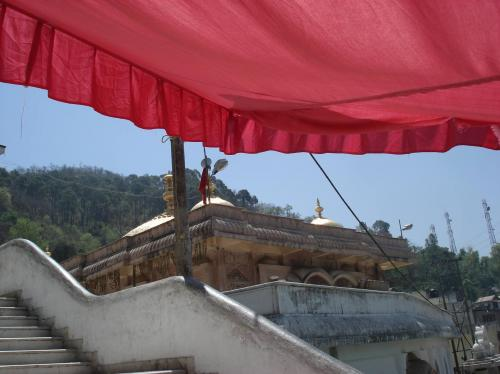 Outside view of Jwalamukhi Temple